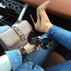 dps for girls Beautiful Shoes, Beautiful Outfits, Cute Outfits, Fresh Outfits, Beautiful Life, Streetwear Mode, Streetwear Fashion, Streetwear Clothing, Vintage Outfits