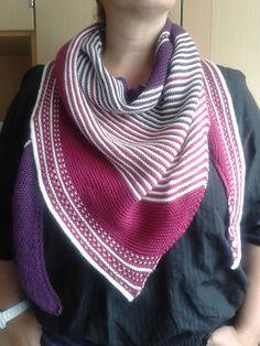 Ravelry: katzenpfote's Drachenfels Crochet Needles, Knit Or Crochet, Crochet Shawl, Crochet Stitches, Knitted Shawls, Crochet Scarves, Knitting Scarves, Shawl Patterns, Knitting Patterns