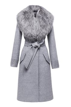 ALSO AVAILABLE IN The most luxurious and glamorous coat. Dress up the everyday and any outfit season after season. Can be worn with or without fur collar. Cruelty free. DETAILS - Long coat / Belted waist / Removable collar - Front button closure / Vented back hem - Organic internal buttons with SENTALER engraving - Two angled patch pockets on side - SENTALER signature ribbed detail at cuffs - 70% baby alpaca, 30% wool - Detachable fur collar: 100% baby suri alpaca - Fully lined - Dry clean…