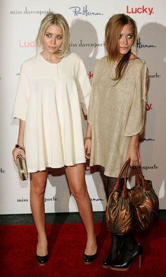 Star-Style: Die schönsten Looks von Mary-Kate und Ashley Olsen: Für weit geschnittene Minikleider entscheiden sich beide bei einem Event in Los Angeles im November 2005