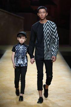 New fashion trends spring cute outfits ideas Fashion Runway Show, Spring Fashion Trends, Autumn Fashion Casual, Urban Fashion, Boy Fashion, Black Outfit Men, Batik Fashion, Popular Mens Fashion, Mode Style