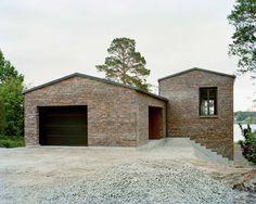 Hermansson Hiller Lundberg designs staggered brick house in Sweden Brick Architecture, Residential Architecture, Architecture Details, Brick Facade, Facade House, Facade Design, House Design, Stone House Plans, Modern Brick House