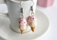 Pastel pink accessories - Miniature ice cream  by LaNostalgie05