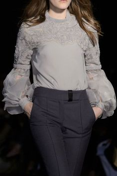 Fashion tops blouse - Andrew Gn at Paris Fashion Week Fall 2015 – Fashion tops blouse Fashion Kids, Fashion Week, Look Fashion, Paris Fashion, Girl Fashion, Fashion Design, Muslim Fashion, Hijab Fashion, Fashion Dresses
