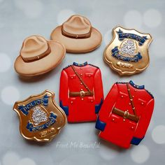 Congratulations to an Inspector on his retirement from the RCMP! Thank you for your service! Cake Decorating Classes, Cookie Decorating, Royal Icing Cookies, Sugar Cookies, Camping Cookies, Nurse Cookies, Hot Dog Cart, Canadian Food, Food Crush