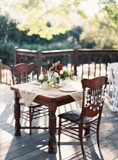 Al fresco dining at its finest. Photography By odalysmendezphotography.com, Floral Design By adornedeventdesign.com