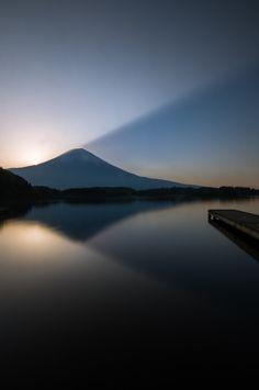Morning light ray The main attraction of Japan - Mt. Fuji Taken with Sony set, finally! Camera SLT-A57 http://kakaku.com/item/K0000353883/ Lens Sigma 10-20mm F3.5 http://kakaku.com/item/K0000051728/ #fuji #mountain #photography #japanesecamera