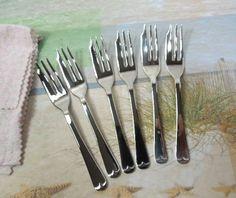 Vintage Silver Fish Forks Sheffield Set of 6 Forks by ReneesRetro #vintage #etsy #fishforks #silverplated
