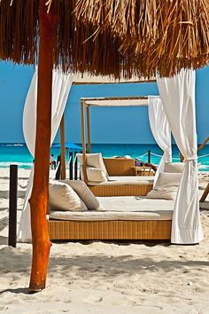 Cancun, Mexico - White Sand Beaches Make for a Great Vacation! Great Places To Travel, Great Vacations, Cancun Resorts, Best Resorts, Beautiful Hotels, Beautiful Places, Riviera Maya Mexico, Cancun Mexico, Sunset Resort