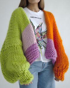 Chunky Knitwear, Chunky Knit Cardigan, Oversized Cardigan, Crochet Clothes, Diy Clothes, Crochet Outfits, Crochet Fashion, Do It Yourself Fashion, Creations