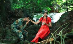 Army Couple Pictures, Love Couple Images, Couples Images, Military Couple Photography, Wedding Couple Poses Photography, Post Wedding, Wedding Shoot, Indian Army, Indian Flag