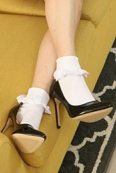 Frilly Socks, Lace Socks, Ankle Socks, High Heel Pumps, Pumps Heels, Stiletto Heels, Stilettos, Talons Sexy, Pantyhose Heels