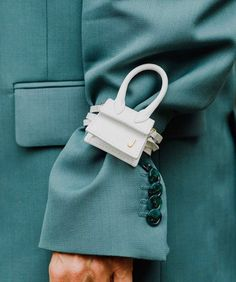 How adorable is the mini Le Petit Chiquito bag by Jacquemus? Now in-store and soon online. Fashion 2020, Daily Fashion, My Bags, Purses And Bags, Fashion Bags, Fashion Accessories, Fashion Fashion, Leather Accessories, Retro Fashion
