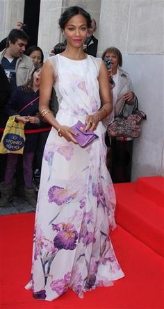 Zoe Saldana attends Global Gift Gala 2014 at the George V Hotel in Paris.  She kept her accessories simple, but we think a statement ring would have been perfect. Maybe our 18 Carat Gold and Diamond Pyramid Ring?  #ZoeSaldana #flower #floral