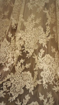 Sublime Robe de Mariée Neuve Dentelle Dos Nu grande marque