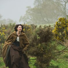 Link to BEAR MCCREARY's Outlander music: Claire runs to Craigh na Dun to go back to Frank, Episode 1x08