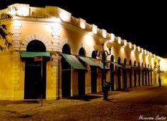 Mercado Público à noite