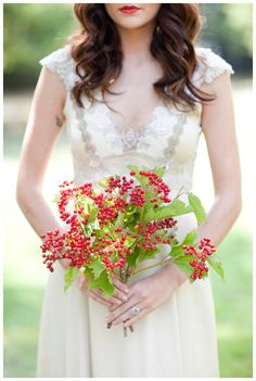 Berry Bouquet Photography by http://chrisandkristenphotography.com/blog/index.php/willowbrook-for-magnolia-rouge-magazine-2/