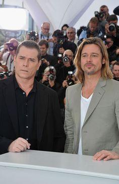 VANITY FAIR BRAD PITT | Brad Pitt recupera la melena, pero ¿desata la pasión?