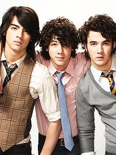 Jonas Brothers back in the day.. :) Joe looks like an Asian chic, nick looks like a sheep dog, and Kevin actually looks decent.....wow times have changed, I used to think nick looked good, now they all do!!! Hahaha