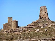 El castillo  de Marcuello se encuentra sobre la sierra del mismo nombre en la Localidad de de Sarsamarcuello  en el municipio de Loarre provincia de Huesca.  #Historia #turismo http://www.rutasconhistoria.es/loc/castillo-de-marcuello