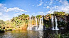 A água brota em Carrancas como as flores no cerrado. Conheça aqui as principais cachoeiras de Carrancas - MG. É uma mais linda que a outra!