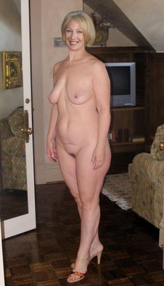 Saggy woman Naked old