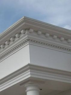 Exterior Fiberglass Cornice - Low Cost Polyurethane Mouldings and Polyurethane Cornice Classic House Exterior, Classic House Design, Dream House Exterior, Door Gate Design, Facade Design, Exterior Design, House Outside Design, House Front Design, Cornice Design