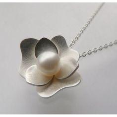 Gardenia pendant - delicate
