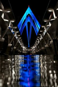 Puente semi-atirantado Matute Remus, Guadalajara, Mexico. 2011