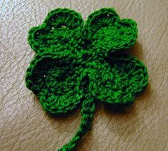 After reading through a couple free patterns for clovers / shamrocks to make some thread crochet pins for this coming Monday, I improvised t...