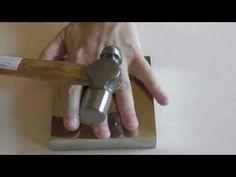 come martellare il filo metallico in alluminio o rame - YouTube