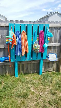 Outdoor Towel Rack Made From A Pallet Outdoor Living Pinterest Pallets Towels And Backyard