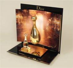 Dior High End Display w. Heavy Use of Mirror                              …