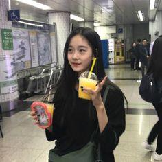 Nature girl asia 17 ideas for 2019 Girl Pictures, Girl Photos, Pretty Girls, Cute Girls, Ulzzang Korean Girl, Cute Girl Photo, Foto Pose, Just Girl Things, Asia Girl