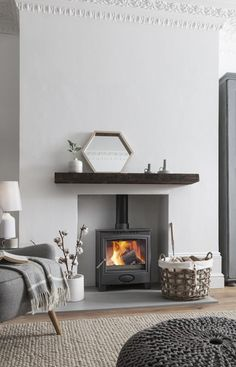 Feeling The Hygge: Ein Toasty Guide zu Holzofen Source by The post Feeling The Hygge: Ein Toasty Guide zu Holzofen appeared first on My Art My Home. Feeling The Hygge: Ein Toasty Guide zu Holzofen Living Room Scandinavian, Trendy Living Rooms, Log Burner Living Room, Living Room Grey, Living Room Inspiration, Living Room With Stove, Living Decor, Home And Living, Cosy Living Room