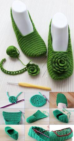 Crochet Slipper Pattern, Baby Sweater Knitting Pattern, Crotchet Patterns, Crochet Lace Edging, Knitting Stiches, Crochet Cross, Crochet Diagram, Knitting Patterns, Diy Crochet Slippers