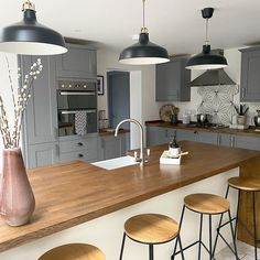 Fairford Slate Grey Kitchen and Fairford White Kitchen Create a two-tone kitchen by using our Fairfo Open Plan Kitchen Diner, Kitchen Diner Extension, Open Plan Kitchen Living Room, Two Tone Kitchen, Kitchen Dining Living, Home Decor Kitchen, Kitchen Interior, Home Kitchens, Kitchen Design