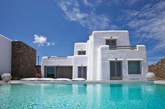 Emelia is a luxury villa to rent in Mykonos that offers the ultimate luxury Greek holiday experience 👌 Mediterranean Homes Exterior, Mediterranean Design, Mykonos Island Greece, Riverside Apartment, Mykonos Villas, Unique Architecture, Beach Condo, Luxury Holidays, Vacation Villas
