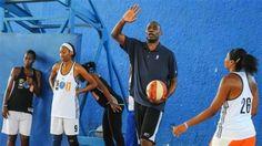 Former NBA Greats Hold Basketball Clinic in Cuba