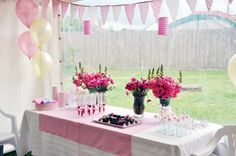 Super sweet party. Light pink and pale yellow.