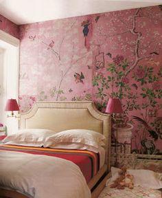 Pink Chinoiserie bedroom, de Gournay