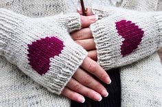 Be_my_valentine_fingerless_gloves_knitting_pattern_i_heart_you_1_small2