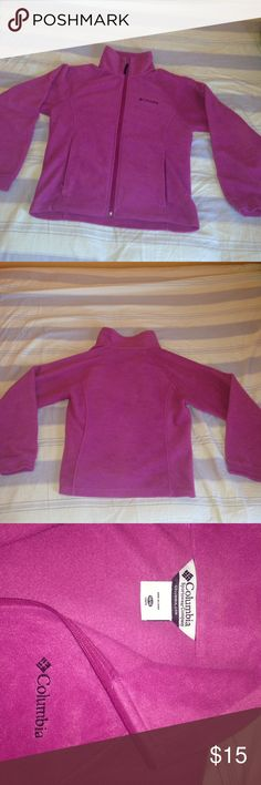 Youth Girl's Columbia Fleece - 14/16 Magenta Columbia fleece I pretty good condition! Worn a couple seasons and there is slight pilling inside as shown in the picture but nothing is wrong with it all! Youth size 14/16 Columbia Jackets & Coats