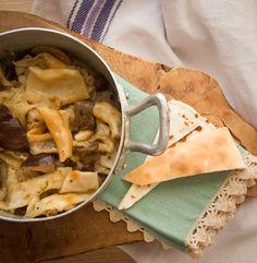 Pane a fittas: scopri l'antica ricetta di un piatto tradizionale, buono e semplice da realizzare.
