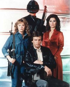 Martin (Frank Ashmore), Julie (Faye Grant), Donovan (Marc Singer), Diana (Jane Badler) Sci Fi Tv Shows, Sci Fi Series, Tv Series, Great Tv Shows, Old Tv Shows, Classic Series, Classic Tv, Faye Grant, V Tv Show