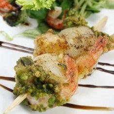 brochette-de-saint-jacques-et-crevettes-panees. Coquille Saint Jacques, Quiche Lorraine, Scallops, Potato Salad, Seafood, Buffet, Pork, Fish, Chicken
