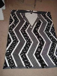 Jack & Sally Nightmare Before Christmas Baby Quilt **(Now with rough patterns)** - QUILTING