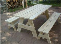 Beautiful wooden picnic tables | Hometone