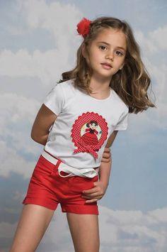Pilar Batanero SS14, conjuntos de moda con encanto http://www.minimoda.es
